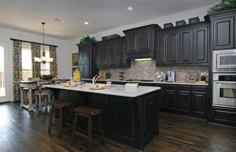 Dorable Highland Kitchen Crest - Kitchen Cabinets | Ideas ...