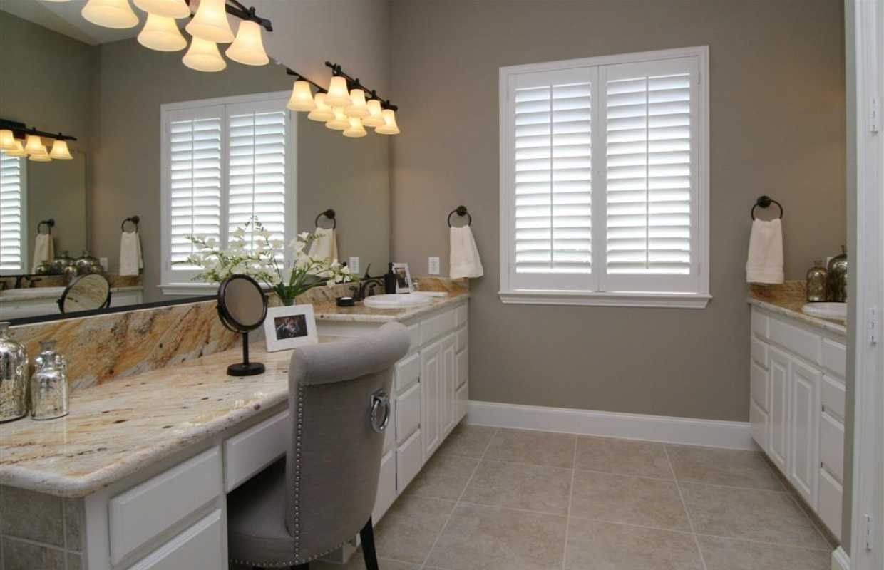 New home for sale 6640 roughleaf ridge road flower mound for Model bathrooms photos