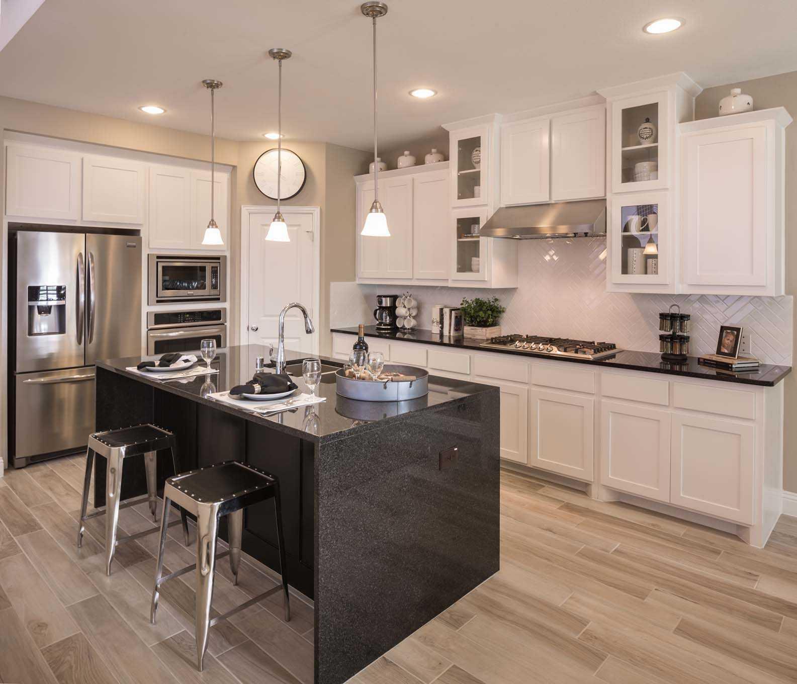 Village Kitchen Farmingdale: Model Home In Dallas / Fort Worth Texas, Timber Creek 60s